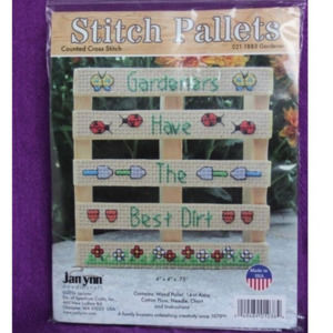 Stitch Pallets Gardeners cross stich kit